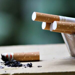 Cigarro y Más